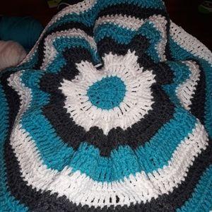Circle, Wavy Crochet Baby Blankets